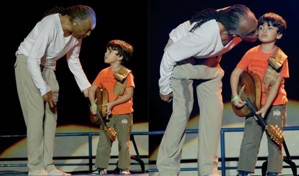 DESDE CEDO, NO PALCO Com o neto, Bento, filho de Bem: mais um defensor da paixão dos Gil pela música